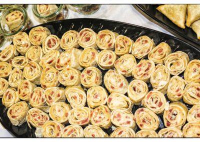 Pfannkuchenröllchen gefüllt